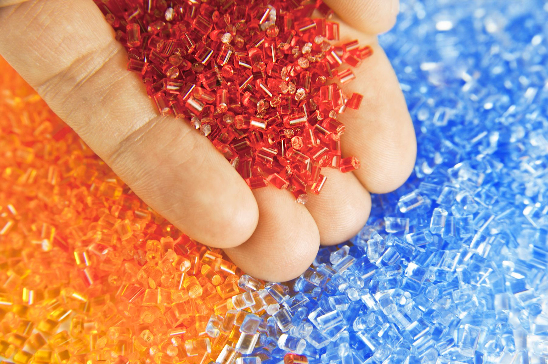 PolyCE – Enabling recycling of plastics from electronic waste.